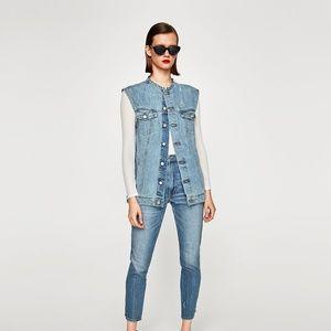 NWT Zara AW17 Size S Distress Acid Wash Denim Vest